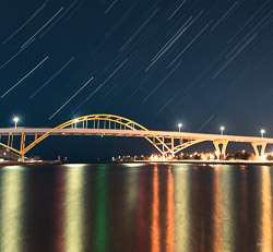 hoan-bridge-star-trails2-100.jpg
